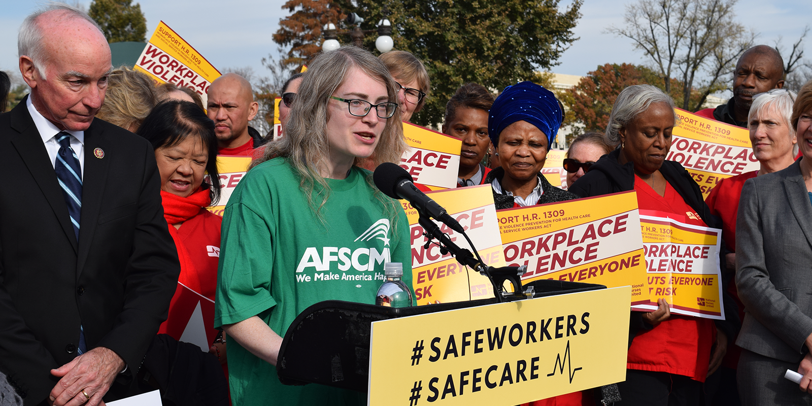 Connecticut Rep. Joe Courtney and social worker Miriam Doyle, a member of Local 557 (AFSCME Maryland Council 3)